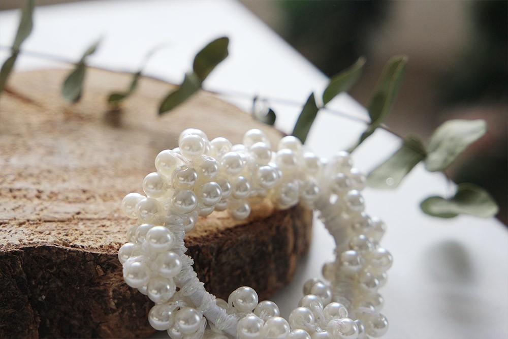chouchou alexandra perles blanches mariage bohomane